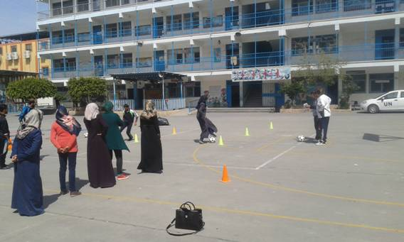Training sessions for 364 female and male sports and arts teachers working in UNRWA schools. © 2015 UNRWA Photo
