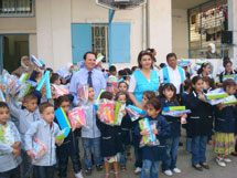 UNRWA and UNICEF distribute back-to-school kits to Palestinian students in Lebanon