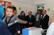 EU representative visits UNRWA health centre in Gaza