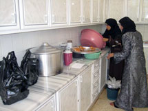 Soup kitchen provides lifeline for elderly refugees