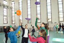 children doing circus tricks